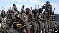 Setelah dikalahkan oleh pasukan Uni Afrika, Ethiopia, dan Kenya di selatan, dan dipukul mundur dari wilayah perdagangan Kismayo bulan Oktober, kelompok militan itu katanya mencari perlindungan di kawasan Puntland yang berpegunungan (foto, 8/12/2012).