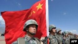 資料照:中國軍隊參加上海合作組織在吉爾吉斯斯坦舉行的反恐聯合軍演。 (2016年9月19日)