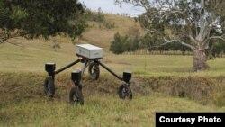 SwagBot, spreman da čuva stoku.