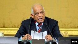 Ali Abdel-Al, le président du nouveau parlement égyptien, prononce un discours devant les membres du Parlement au cours de leur session inaugurale au Caire, en Egypte, 10 janvier 2016. epa / NAMER GALAL ÉGYPTE OUT
