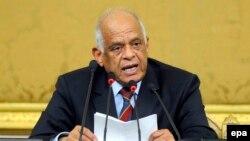 Ali Abdel-Al, alors président du nouveau parlement égyptien, prononce un discours devant les membres du Parlement au cours de leur session inaugurale au Caire, en Egypte, 10 janvier 2016. epa / NAMER GALAL ÉGYPTE OUT