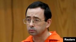 Larry Nassar, ex-médecin de l'équipe américaine de gymnastique lors de son procès à Charlotte, Michigan, le 31 janvier 2018.