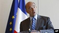 Menteri Keuangan Perancis, Pierre Moscovici mengumumkan bahwa pemerintah Perancis akan menurunkan harga bensin dan solar (foto: dok).