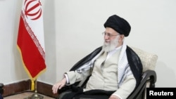 Le guide suprême iranien, l'ayatollah Ali Khamenei, à Téhéran, en Iran, le 13 juin 2019. Site Web officiel de Khamenei / Document remis à l'attention de REUTERS - Cette image a été fournie