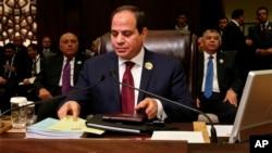 埃及總統塞西3月29日出席阿拉伯聯盟會議資料照。