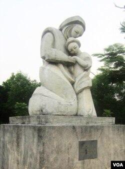 Vui V: Đức Mẹ tìm được Chúa Giêsu trong đền thánh *