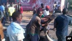 Aumentos de preços em 2010 originaram confrontos violentos em Maputo (foto de arquivo)