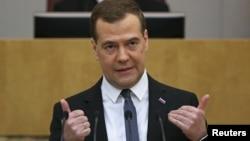 Perdana Menteri Rusia Dmitry Medvedev dalam sebuah sidang parlemen di Moskow. (Foto: Dok)