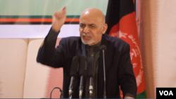 رئیس جمهور خطاب به طالبان گفت که به آغوش ملت برگردند؛ ولی اگر افغان نیستند، این مسأله را اظهار کنند.
