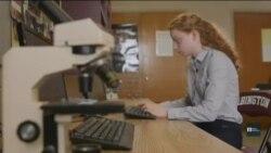 """Школярка-винахідниця родом з України працює над """"ДНК-роботом"""" у США. Відео"""