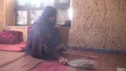 یک خانم باردار در ولایت غور: شوهر معتادم را درمان کنید
