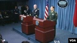 中國軍方參謀總長房峰輝星期四訪問五角大樓,並同美國參謀長聯席會議主席鄧普西將軍舉行會談。(視頻截圖)