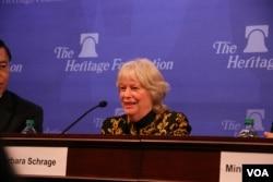 前美国在台协会执行理事施蓝旗2015年3月20日在传统基金会发表评论。(美国之音钟辰芳拍摄)