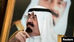 پادشاه عربستان سعودی به دلیل ابتلا به نومونیا یا سینه و بغل در شفاخانه بستر است