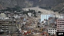 Klizišta i poplave izazvane obilnim padavinama na severozapadu Kine, uništile u avgustu mnoge gradove i sela i usmrtile stotine ljudi