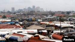 Des véhicules immobilisés à Orile-Iganmu, quartier des affaires de Lagose, Nigeria, 29 août 2013.