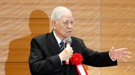 台湾前总统李登辉在东京对议员们讲话(2015年7月22日)