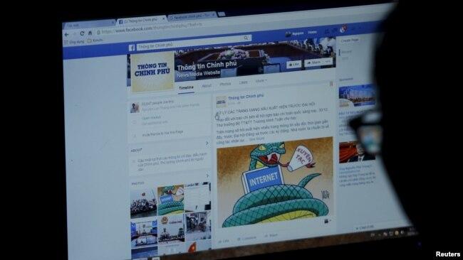 """Trang Facebook của chính phủ Việt Nam trên màn hình máy tính của một người dùng. Chính quyền Hà Nội đang tìm cách ngăn chặn các thông tin """"độc hại"""" chống chính phủ đang lan truyền trên mạng xã hội."""