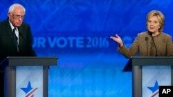 Bernie Sanders y Hillary Clinton se enfrentan en un momento decisivo para lograr atraer apoyo de los votantes demócratas que los impulsen en su competencia por la nominación presidencial.