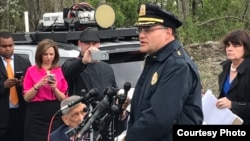 Jefe de Policía de Billerica informa a la prensa sobre el accidente en la Casa de Subastas de Vehículos Lynn Way.