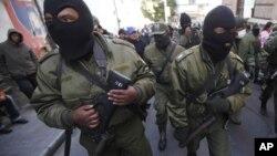 """Los amotinados dicen que no quieren """"migajas"""" y que mantendrán la protesta."""