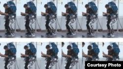 Seorang pasien menggunakan exoskeleton. (Foto: AASDAP/ilustrasi)