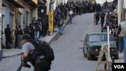 Este es el último operativo lanzado por las fuerzas de seguridad cariocas en un esfuerzo para ganar el control de los suburbios pobres de Río de Janeiro.