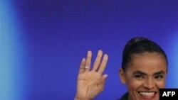Cựu bộ trưởng môi trường thuộc Đảng Xanh là Marina Silva