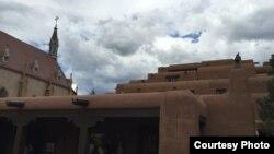 Nhà nguyện Lorreto và phố cổ Santa Fe (ảnh Bùi Văn Phú)