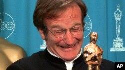 ဟာသ သ႐ုပ္ေဆာင္ Robin Williams (မတ္ ၂၃၊ ၁၉၉၈)