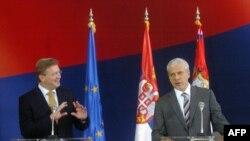 Predsednik Srbije, Boris Tadić izjavio posle razgovora sa evropskim komesarom za proširenje, Štefanom Fileom da ne želi da Srbija preskače korake u procesu učlanjenja u EU, 17. septembar 2010.