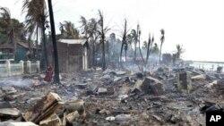 지난 8일 불교도와 이슬람교도 간 충돌로 불에 탄 가옥들.