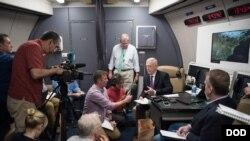 馬蒂斯2018年6月24日啟程訪華第一程先飛阿拉斯加(美國國防部照片)