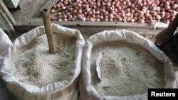Les organisations de consommateurs s'attaquent à la vente du riz avarié