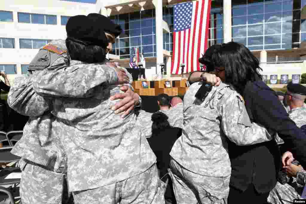 صدر براک اوباما نے اس حملے پر افسوس کا اظہار کیا اور زخمی ہونے والوں کے خاندانوں سے اظہار ہمدردی بھی کیا۔
