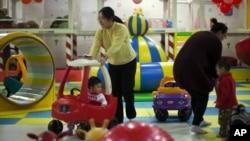 Bộ Y tế sẽ được sát nhập vào Ủy ban Dân số và Kế hoạch hóa Gia đình, cơ quan giám sát chính sách một con của Trung Quốc.