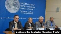 Nenad Rašić, Ranđel Nojkić, Momčilo Trajković i Slaviša Petković (s leva) na današnjem skupu u Medija centru u Čaglavici