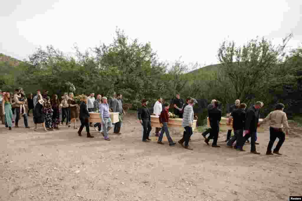 Se espera que el adiós a las víctimas se extienda hasta el viernes porque algunos de los cuerpos serán llevados al vecino estado de Chihuahua.