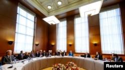Cenevre'de nükleer görüşmelerin yapıldığı BM salonu