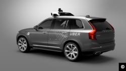 """Une voiture """"sans chauffeur"""" de Uber construite en partenariat avec Volvo"""