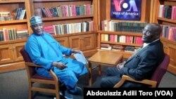 Dan takarar shugaban kasa Atiku Abubakar (Dama) Aliyu Mustapha Sokoto (Hagu) a lokacin da Atiku ya kawo ziyara Muryar Amurka. 01.18.19 VOA, Abdulaziz A. Toro