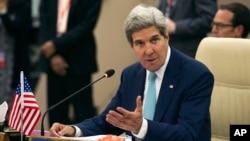 美國國務卿克里8月9日在緬甸舉行的東盟外長會議上發表講話。