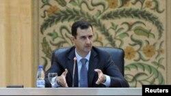 Башар Асад выступает перед новым кабинетом министров. Дамаск, Сирия