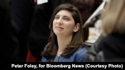 استیسی کانینگهام، ۴۳ ساله، از روز جمعه زمام بورس سهام و اوراق بهادار نیویورک را برعهده میگیرد