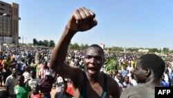 Burkina Faso : L'opposition hausse de ton