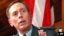 حضور جنرال دیوید پترییس در برابر مجلس سنای امریکا