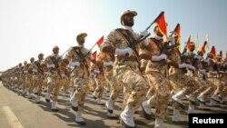 فرمانده سپاه پاسداران گفته است که در صورت وضع تحریمها، امریکا پایگاه های خود را ۲۰۰۰ کیلومتر دورتر نقل مکان دهد
