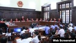 Phiên xử giám đốc thẩm Hồ Duy Hải, ngày 8/5/2020. Photo Thanh Nien Online