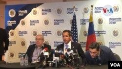 Juan Guaidó durante una rueda de prensa en su reciente visita a Miami. Foto VOA