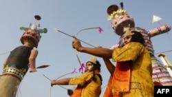 بھارتی سیکیورٹی فورسز کو اس شخص کی تلاش ہے جس نے ملک میں اپنی خود ساختہ مملکت بنا رکھی ہے — فائل فوٹو